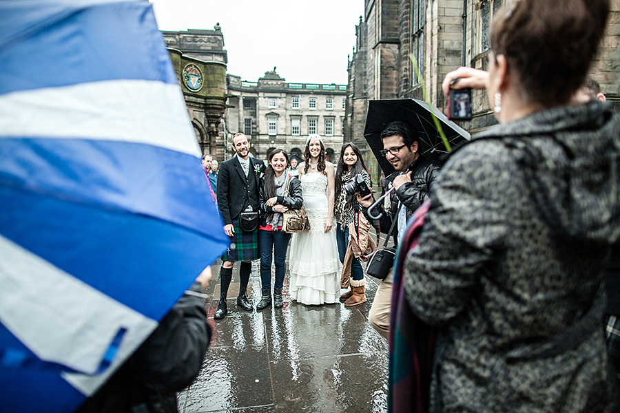 Happy couple on the Royal Mile in Edinburgh