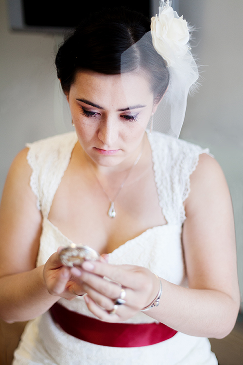 bride-getting-ready-for her-wedding