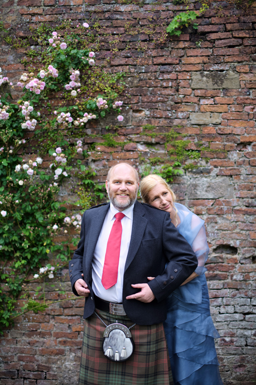 happy couple in the grounds of the Culzean Castle