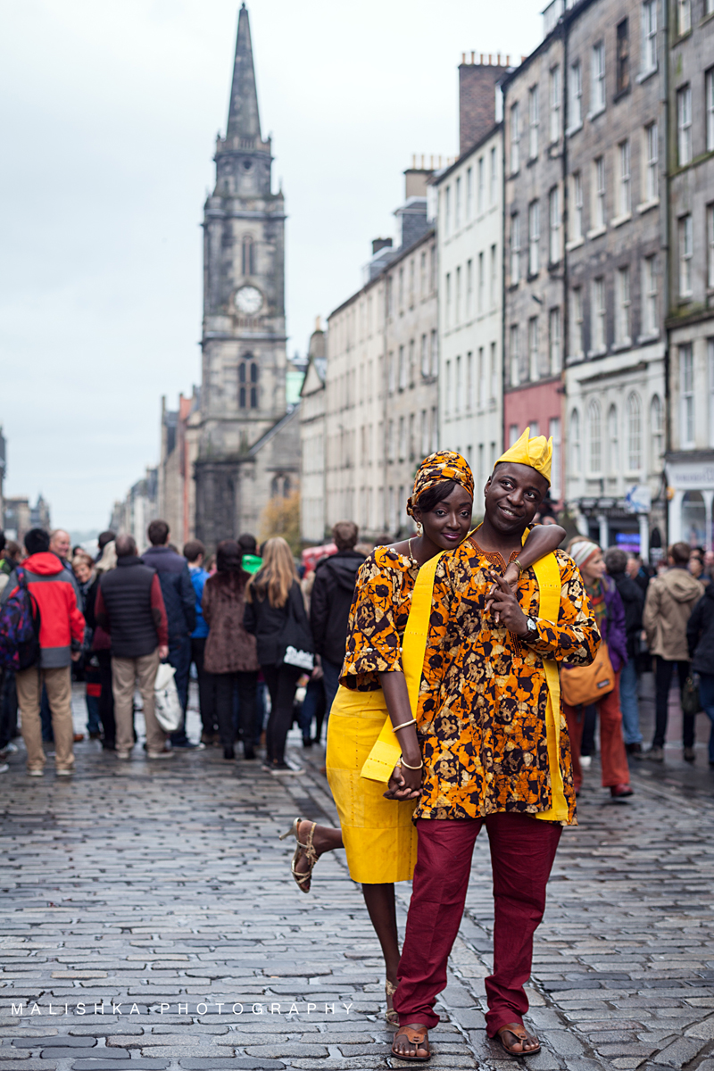 View at the Royal Mile during the couple photo session in Edinburgh