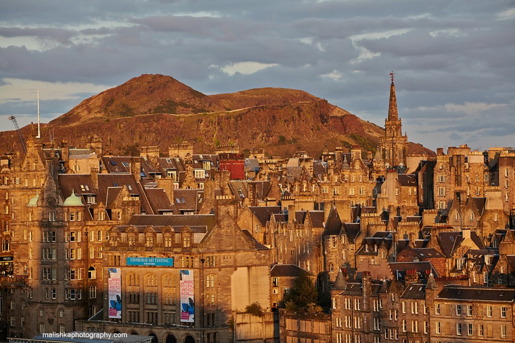 View at Edinburgh Old Town and Arthur's Seat