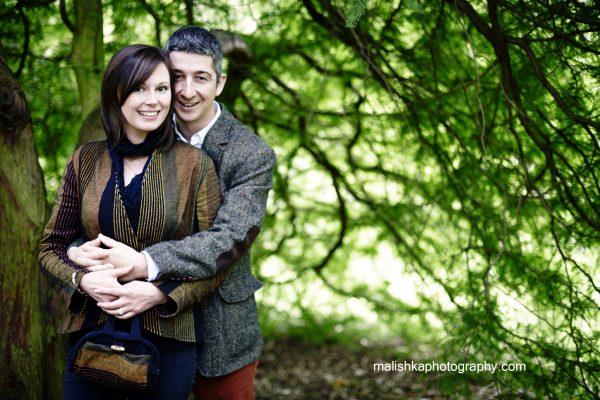 Couple photo session at Botanic Gardens in Edinburgh