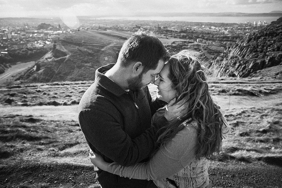 Edinburgh wedding photographer offering free engagement sessions
