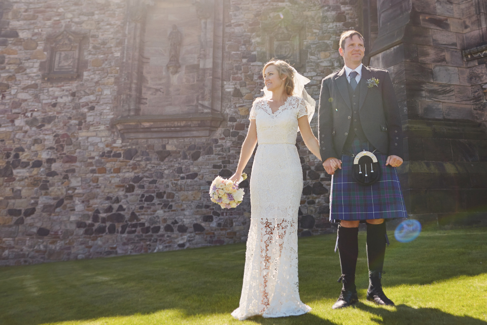 Wedding photography by Malishka Photography at Edinburgh Castle