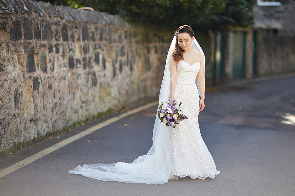 Bridal portraits near Mansfield Traquair in Ediburgh