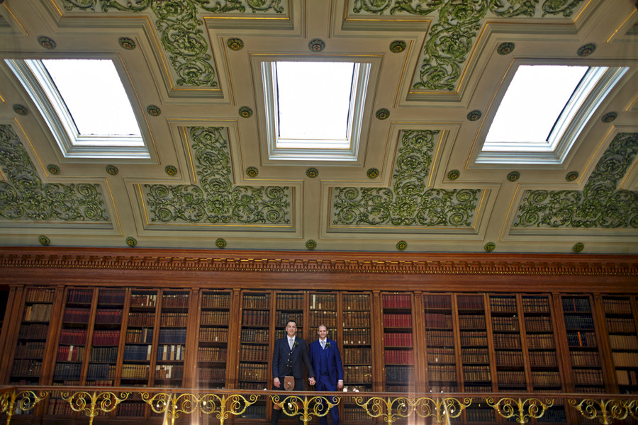 Wedding portraits at Royal College of Physicians in Edinburgh