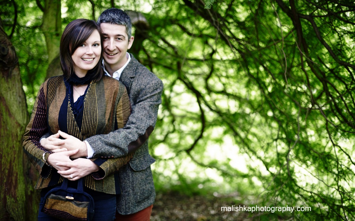 Couple photo session at Botanic Gardens in Edinburgh