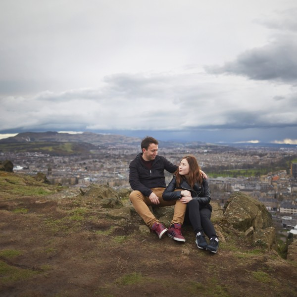 Couple photo session in the Edinburgh hills
