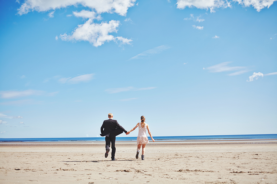 Bride & groom in Scotland, St.Andrews during couple portraits