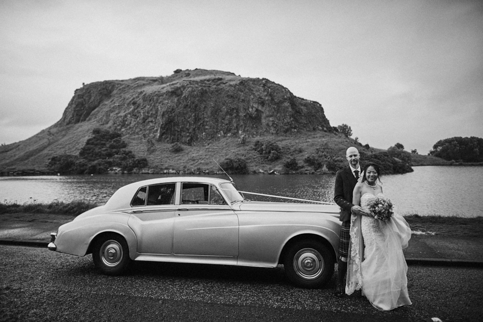 Classy wedding photography at Arthur's Seat